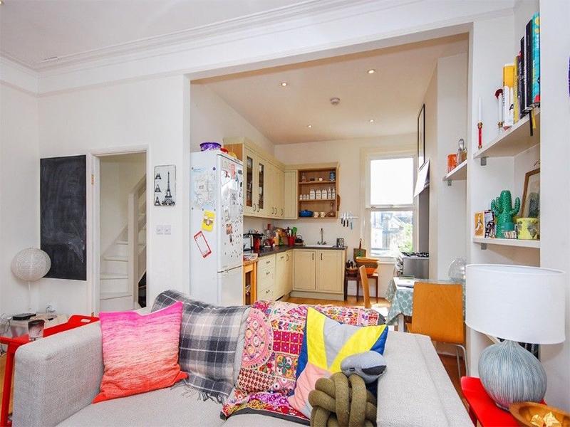 2 Bedroom Victorian Flat in Wakeman Road, between Queen's Park and Kensal Rise stations